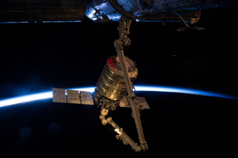 iss040e063769_0
